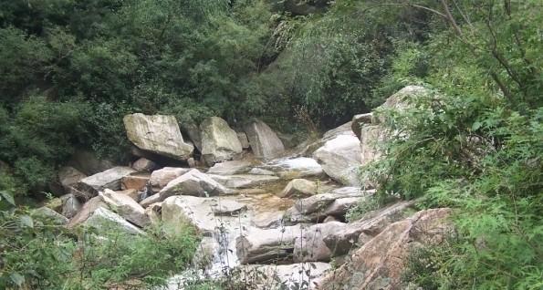 桃源仙谷自然风景区位于密云县石城乡境内