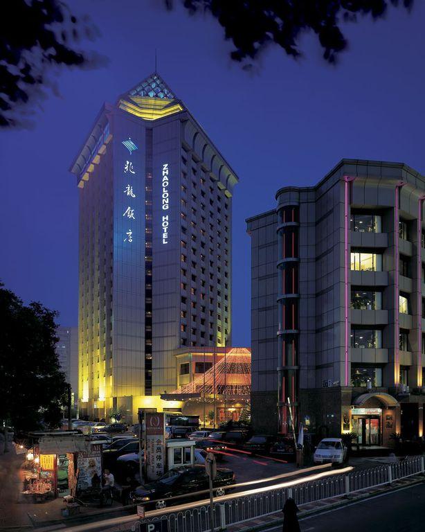 大 龍 飯店
